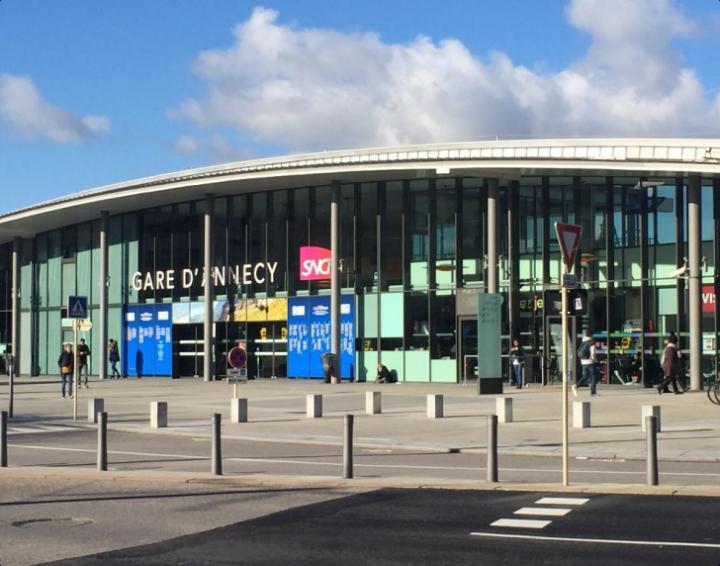 Renovación de la estación de Annecy